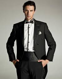 Choosing the Right Tuxedo for the Occasion