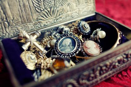 Types Of Antique Estate Jewelry