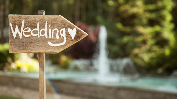 How to Make Your Wedding a Special Day for Your Guests